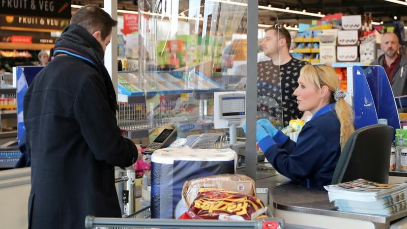 Aldi shopper lets man queue jump at till but her jaw drops when she goes to pay